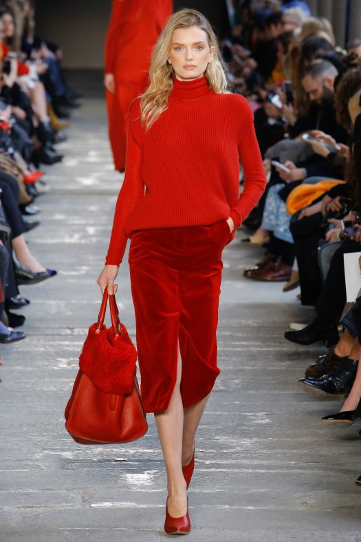 21-red-runway-looks-max-mara.jpg